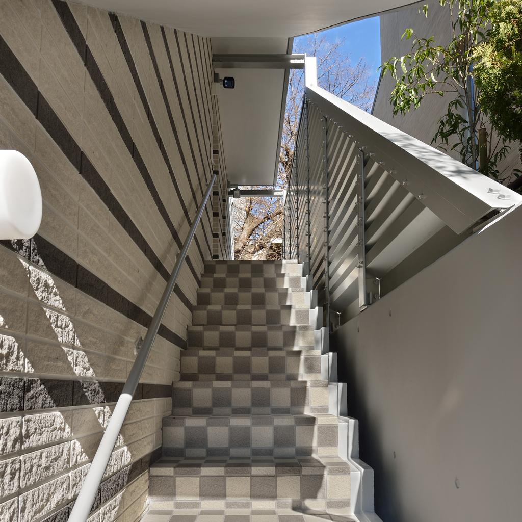 N4・外階段